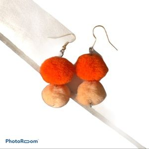 Jewelry - Mini Pom earrings